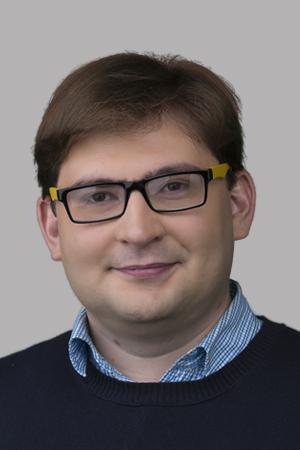 Евгений Янин